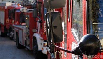 Fallece el conductor de un furgón tras chocar con un camión en la N-344