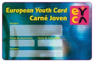 La Concejalía de Juventud del Ayuntamiento de Caudete inicia una campaña para fomentar el Carné Joven Europeo a través del comercio local