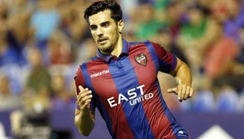 Chema Rodríguez volvió la pasada jornada a la titularidad del Levante tras recuperarse de su lesión