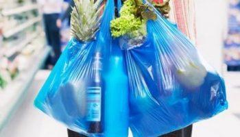 La Concejalía de Consumo de Caudete informa sobre el cobro de las bolsas de plástico en los supermercados
