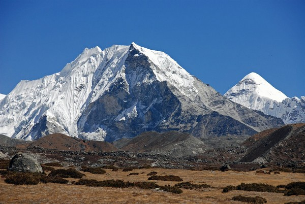 Sergio Medina y Juan Arrés parten el día 3 de abril hacia el Himalaya para ascender al Island Peak (6.189 mtrs.), Caudete Digital - Noticias y actualidad de Caudete (Albacete)