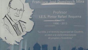 El IES Rafael Requena rinde homenaje a Francisco Domenech Mira y pone su nombre al Salón de Actos