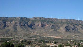 Evacuada en helicóptero al hospital de Albacete una persona que ha sufrido un accidente de parapente en Caudete