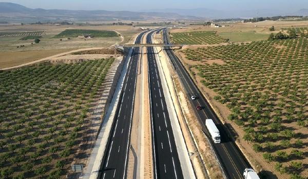 El Ministerio de Fomento puso ayer en servicio un nuevo tramo de la nueva autovía A-33, entre la variante de La Font de la Figuera y la N-344, Caudete Digital - Noticias y actualidad de Caudete (Albacete)