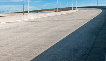 Fomento adjudica a FCC el último tramo de la autovía A-33 entre Yecla y Caudete