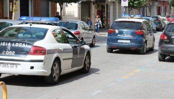 Dos hombres, y dos mujeres de Caudete, detenidos tras sorprenderles robando en una casa de campo