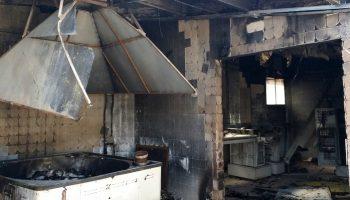 El pasado martes ardió una nave industrial en Caudete