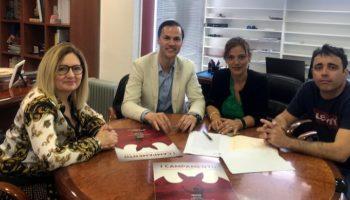 El Ayuntamiento de Caudete firma dos convenios de colaboración con el club de fútbol Albacete Balompié