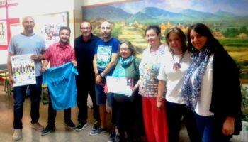 La Agrupación Intercentros de Caudete hace entrega a la Plataforma del Voluntariado de lo recaudado en la última carrera solidaria
