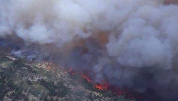 El incendio de Beneixama sigue sin control y obliga a solicitar la presencia de la UME