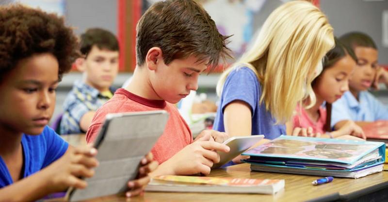 El Colegio Gloria Fuertes se suma el próximo curso al programa de libros digitales Carmenta