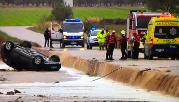 Mueren dos personas en Caudete en su vehículo tras ser arrastrado por el agua