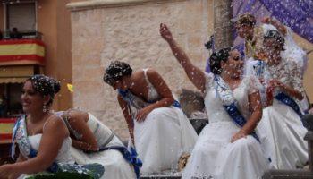 Fotos | Intensa jornada festera la de ayer, que culminó con un magnífico desfile de La Entrada