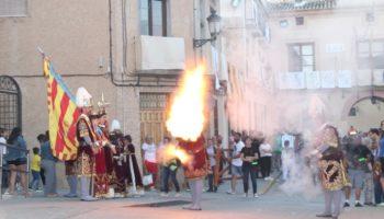 Fotos | La Procesión General con la Patrona de Caudete fue más larga que la del pasado año