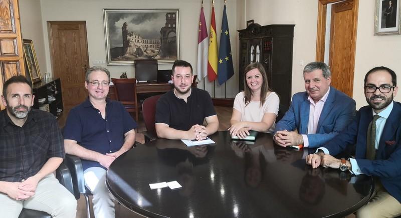 La empresa Brocoli será la empresa que se encargue del servicio de conservación y mantenimiento de espacios verdes y arbolado urbano, Caudete Digital - Noticias y actualidad de Caudete (Albacete)