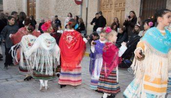 El día de Navidad la Plaza de la Iglesia acogió la jornada infantil de los Bailes del Niño