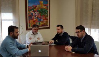El Corredor Mediterráneo, las inundaciones en la CV-809 y la línea de Cercanías, fueron los temas tratados en la reunión entre los alcaldes de Villena y Caudete