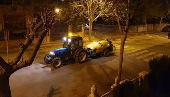 Casi 7.000 litros de desinfectante se emplearon anoche para fumigar las calles de Caudete