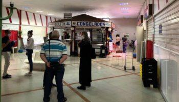 Ayuntamiento y mercaderes acuerdan sentar las bases para revitalizar el Mercado de Abastos