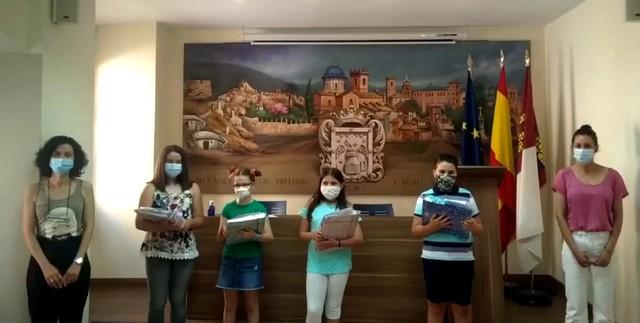 Los niños de 5º de Primaria reciben sus premios del VI Concurso de Lemas por la Igualdad de Género, Caudete Digital - Noticias y actualidad de Caudete (Albacete)