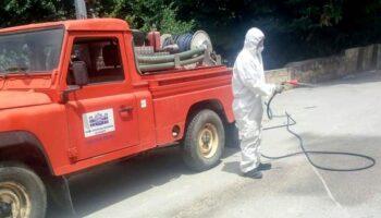 El SEPEI desinfecta las calles en los pueblos de la provincia tras la celebración de sus mercadillos