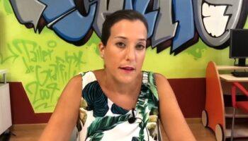 La concejal de Juventud, Montserrat Albertos, informa de que se va a impartir un curso online para niños de Robótica y Aplicaciones Móviles