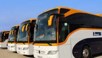 Padres de estudiantes y el alcalde de Caudete se reúnen para solucionar el problema del transporte en autobús a Almansa