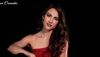 La cantautora de raíces caudetanas Blanca Cremades lanza una campaña de micromecenazgo para publicar su primer disco