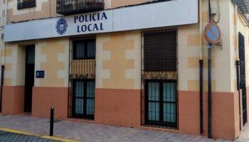 La Policía Local de Caudete inmoviliza un vehículo tras comprobar que su conductor tenía suspendido el carné