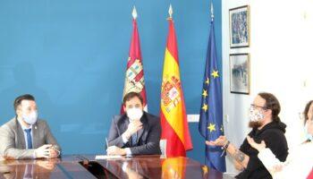 Francisco Núñez, presidente regional del Partido Popular, se ha reunido hoy con empresarios de Caudete
