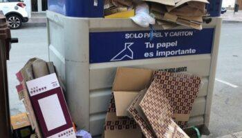 El concejal Joaquín Pagán informa sobre el servicio municipal de recogida de papel