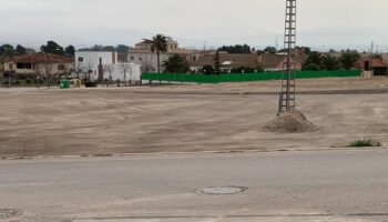 Según el PSOE, el PP usa los medios comprometidos para el arreglo de caminos en limpiar parcelas privadas