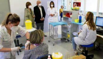 Más de 1.600 personas de entre 60 y 65 años vacunadas durante la semana pasada en Caudete, Almansa y Bonete