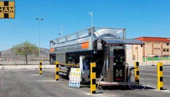 Inaugurada en Caudete una gasinera que permite el suministro de gas natural licuado a vehículos pesados y camiones