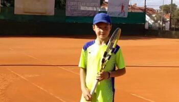 El tenista de Caudete Adrián Cantos sigue cosechando buenos resultados