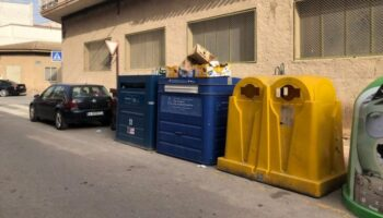 Caudete refuerza el servicio de recogida de papel con 8 nuevos contenedores