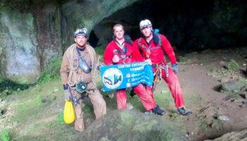 Una expedición del Centro Excursionista Caudete accede al sistema de cuevas Cueto-Coventosa-Cuvera