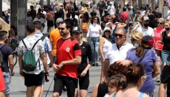Continúa el descenso de positivos en Castilla La Mancha mientras los españoles disfrutan del primer día sin mascarilla
