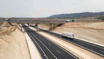 A partir de hoy se ponen en servicio 5,5 nuevos kilómetros de la A-33 entre Caudete y el enlace con la A-31