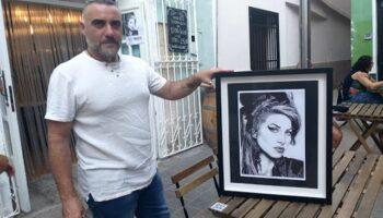 El caudetano Daniel Huesca expone en Villena 16 retratos hechos a bolígrafo
