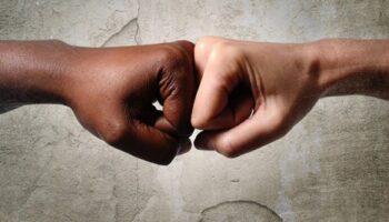 Denunciado un hombre en Caudete por un presunto delito de odio