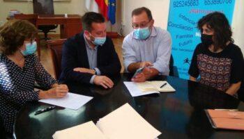 El Ayuntamiento de Caudete va a estudiar mejoras en la normativa municipal para las familias numerosas
