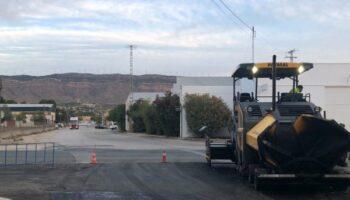 Comienza la reparación y el asfaltado de la Avenida de Valencia y la Vereda Santa Ana